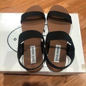 Darnell Black steve madden sandals size 7